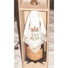 Antik tokaji bor dísz - zsebkendővel monogrammozva